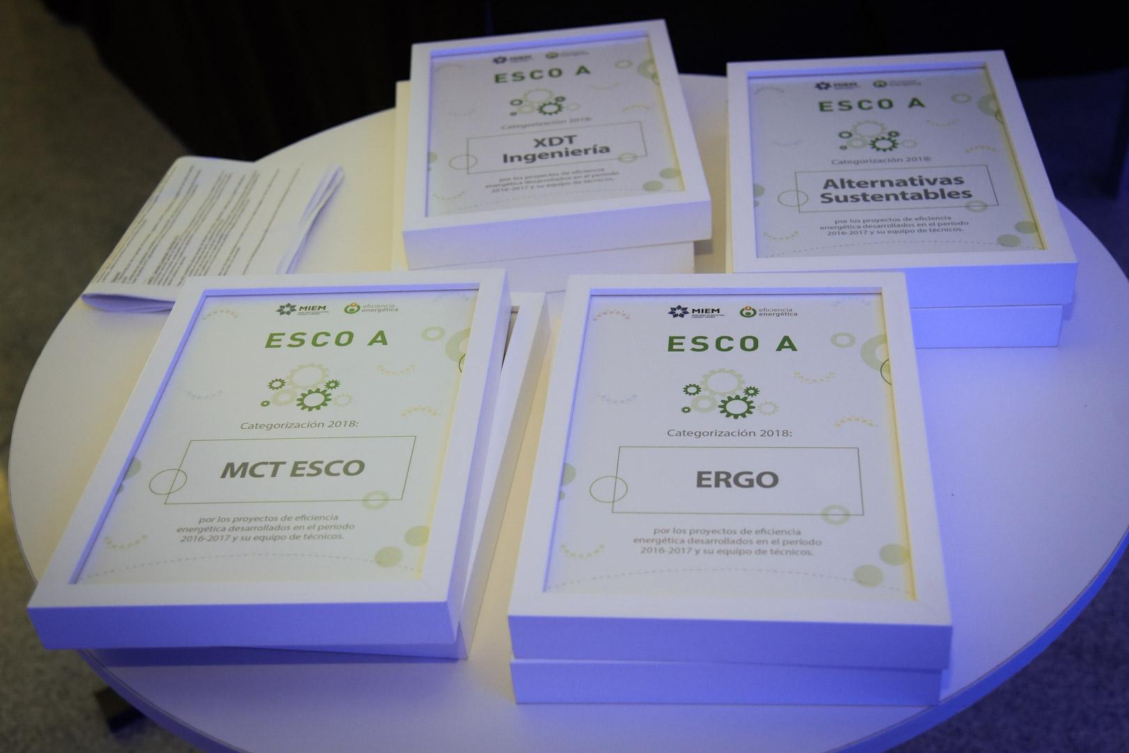 Diplomas ESCO.jpg -